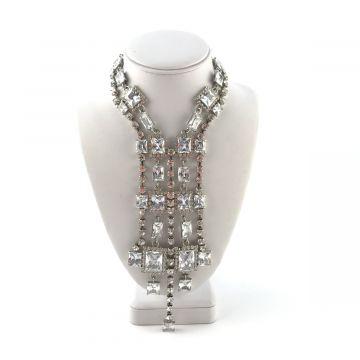 Svečana ogrlica iz kristalov v srebrni barvi