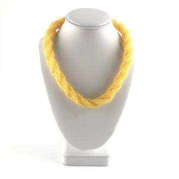 Prepletena ogrlica iz kristalčkov v rumeni barvi