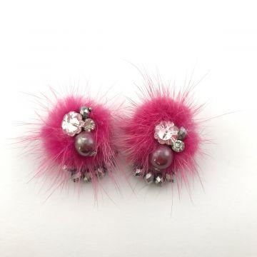 Uhani iz roza krzna in kristalov