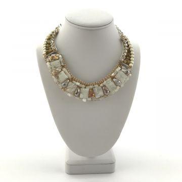 Ogrlica v beli in zlati barvi