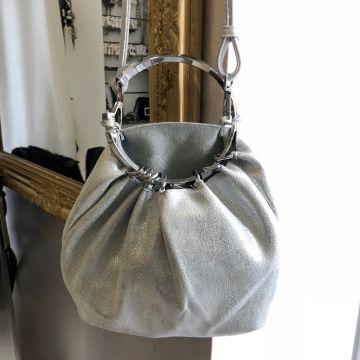 Majhna torbica na obroču Iva