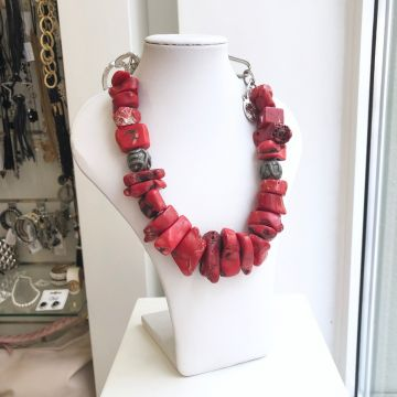 Ogrlica iz koral Chloe