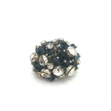Prstan iz stekla in kristalčkov