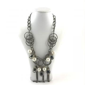 Ogrlica iz kovine in perl