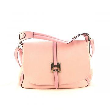 Večja torba v roza barvi