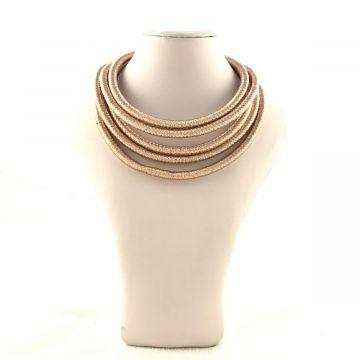 Ogrlica iz več nizov v rose gold barvi