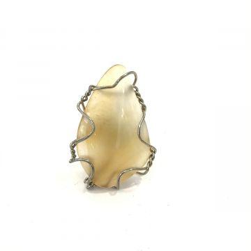 Prstan poldragi kamen z žico